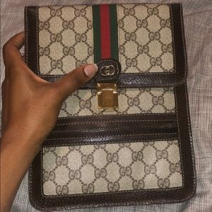 AUTHENTIC 1960s Crossbody Gucci bag